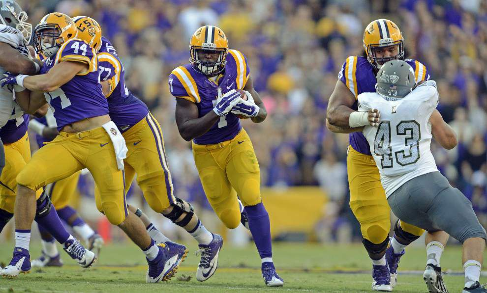 Photos: LSU Gameday - Tiger fans, team host Eastern Michigan on a clear, cool Saturday _lowres