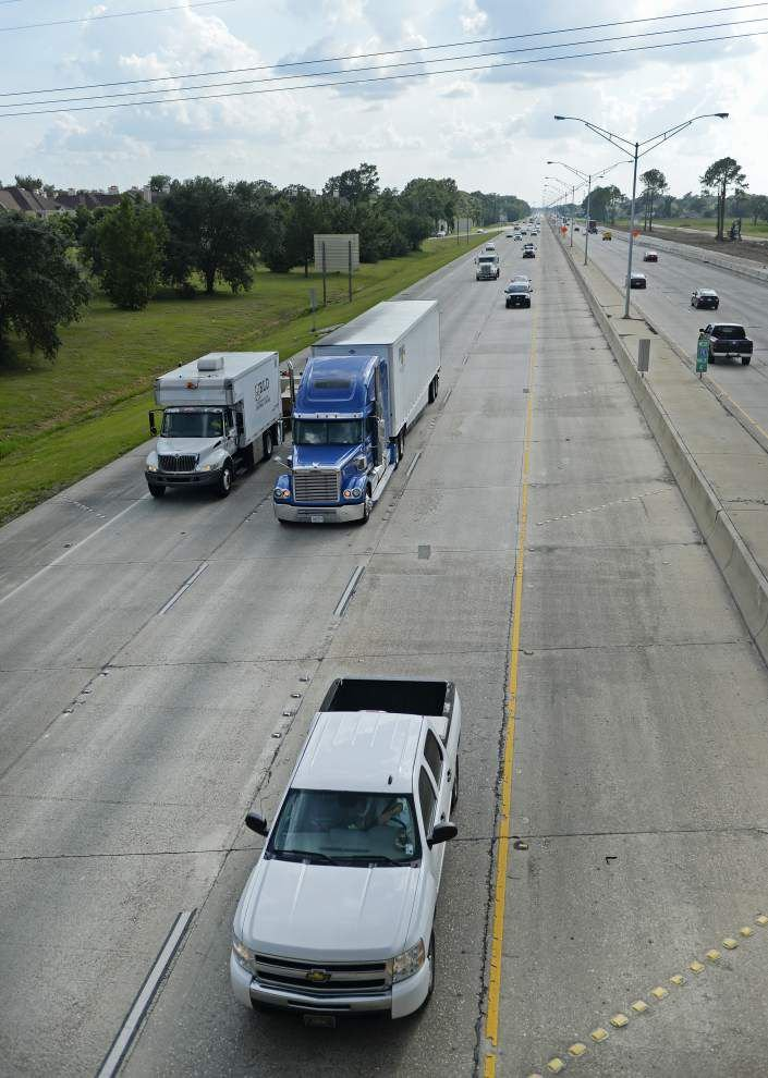 Safety vs. traffic flow: Proposal would convert inside shoulder on I-12 to another travel lane _lowres