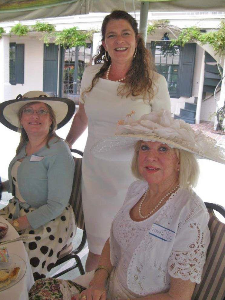 Parasol Promenade Tea benefits Jefferson Performing Arts Society _lowres