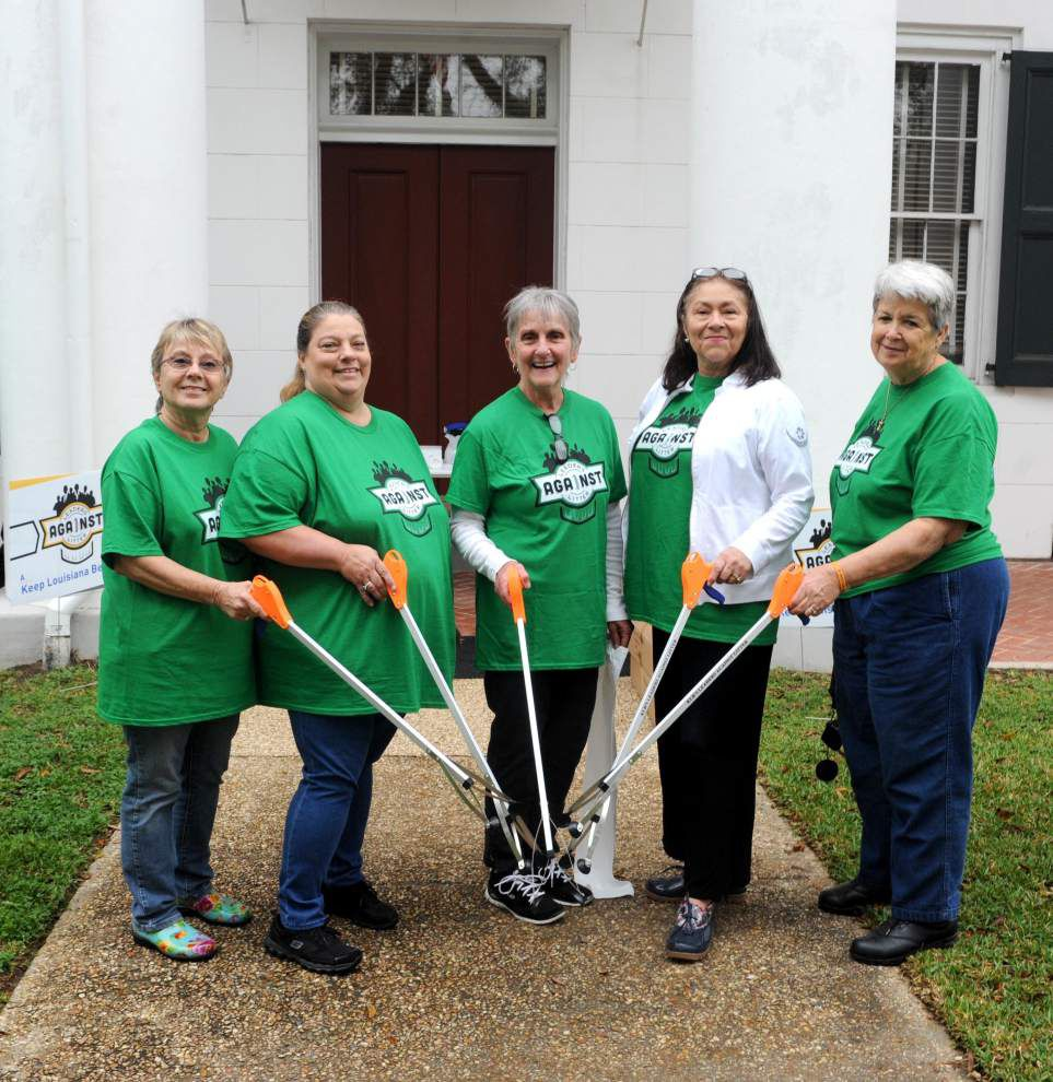 Leaders Against Litter event in Clinton gathers 25 bags _lowres