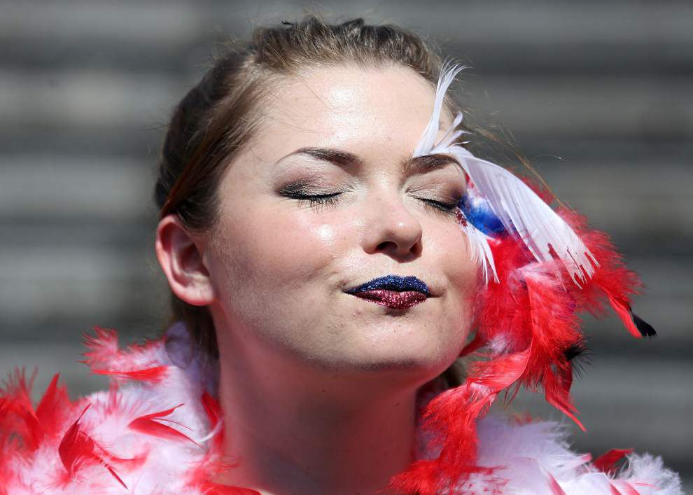 Photos: Runaway waiters race through New Orleans in the annual Bartender-Waitstaff speedwalking race _lowres