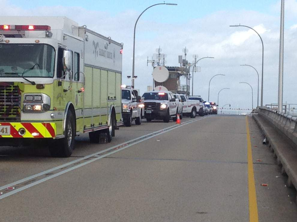 New Orleans crime news: Man shot dead Sunday night; driver dies after car flips over Causeway bridge into water _lowres