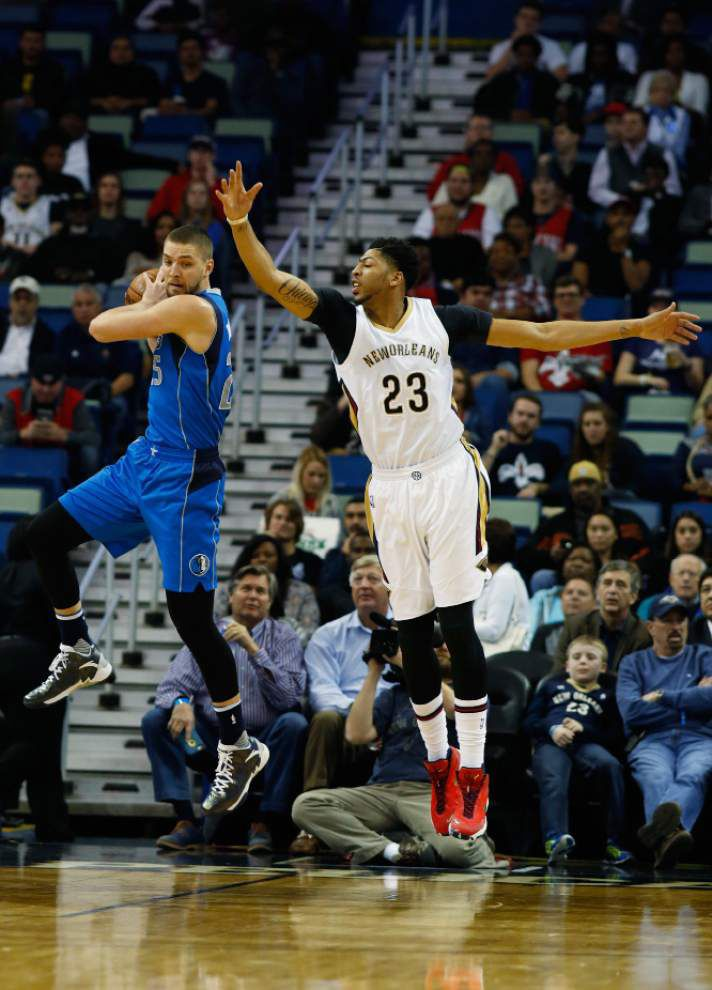 Pelicans fall flat at home against Mavericks _lowres