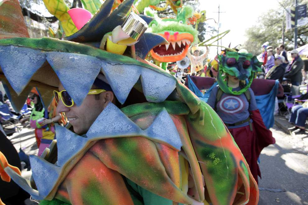 Photos: Krewes of Nomtoc, Iris and Tucks rolled Saturday _lowres