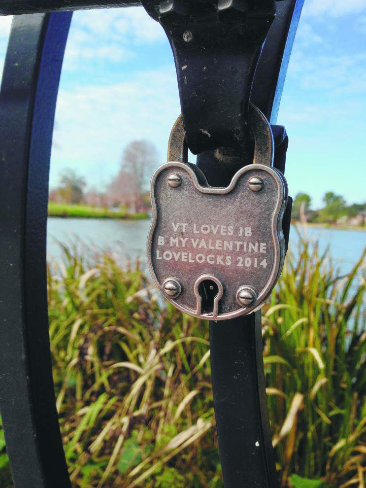 Check out Baton Rouge's love locks bridge that'll remind you of Paris _lowres
