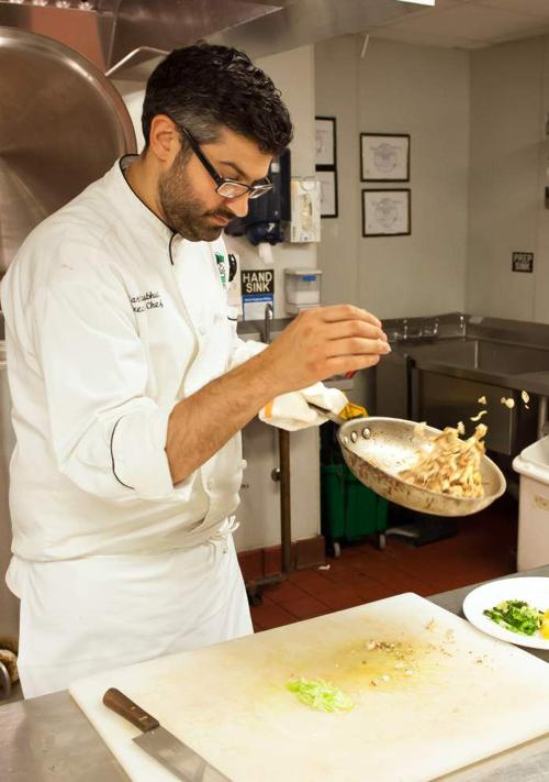 Colleagues and customers pitch in when chef learns he has cancer of the esophagus _lowres