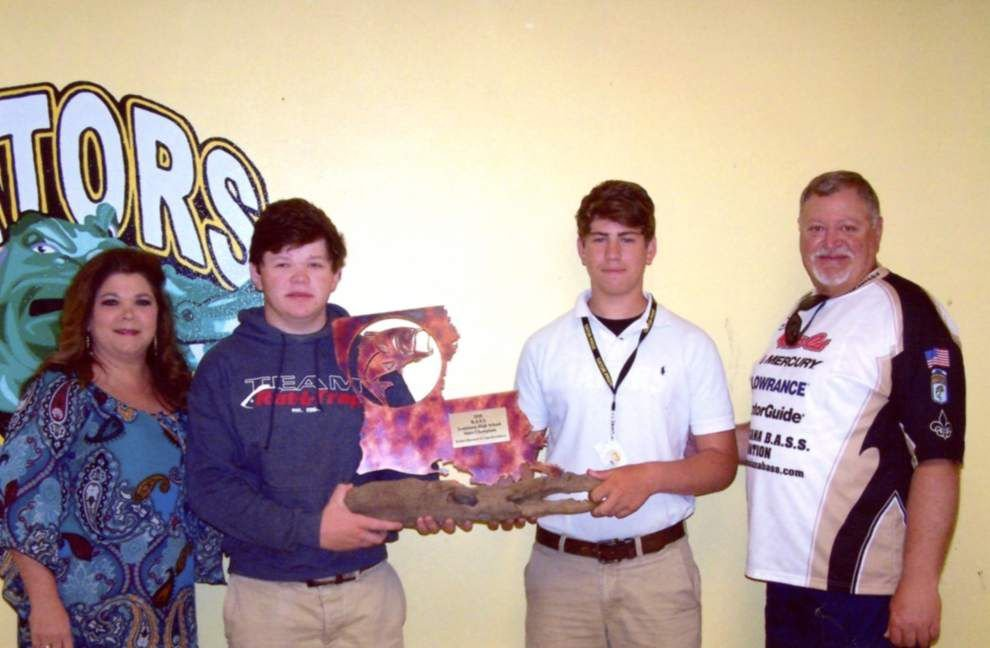 Gators raising funds to travel to national fishing tourney _lowres