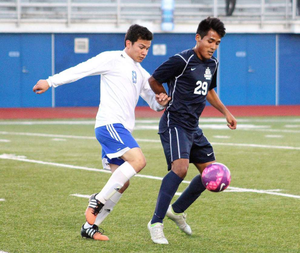 Boys soccer playoffs: St. Thomas More capitalizes on throw-ins to beat East Jefferson _lowres