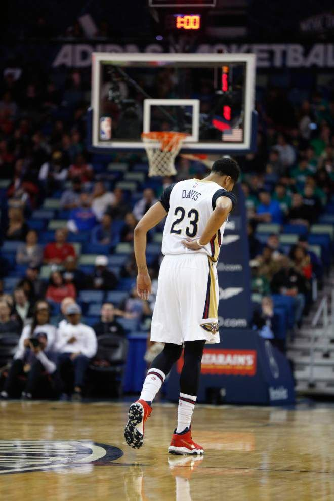 After Anthony Davis exits with a back injury, Pelicans fall 91-86 to visiting Indiana _lowres