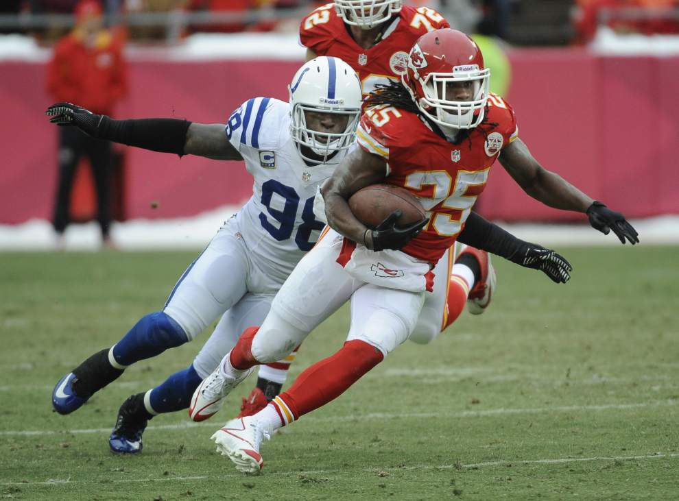 NFL: Colts' Robert Mathis injured in private workouts, could be lost for season _lowres