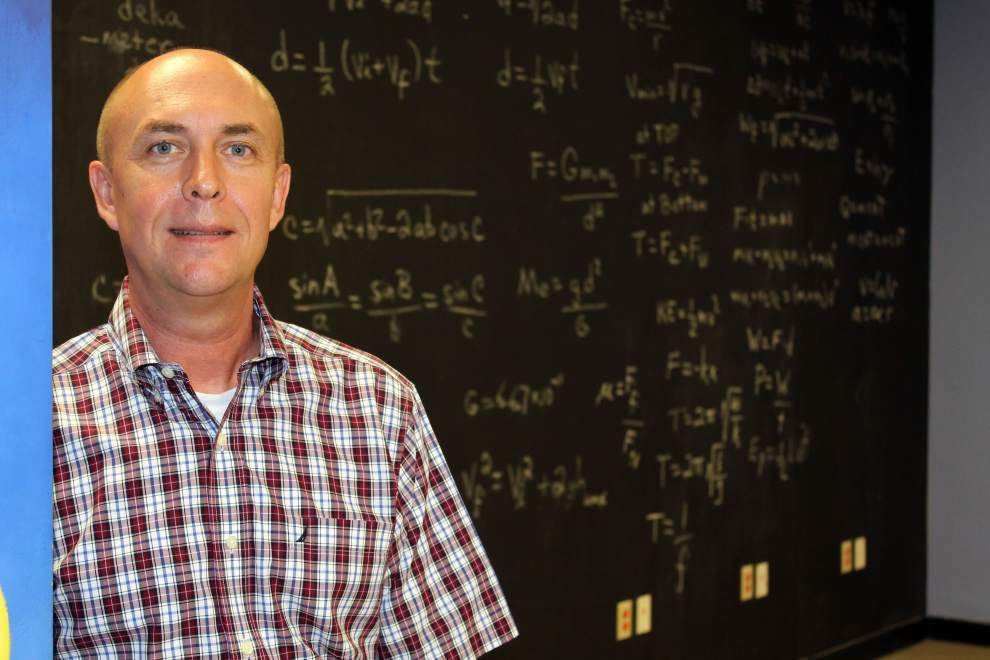 Dutchtown High physics teacher receives presidential award; to be honored in Washington, D.C. _lowres