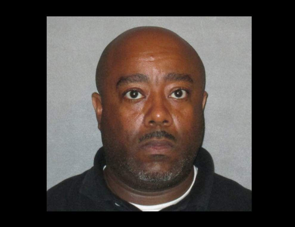 Southeast Middle assistant principal booked in nude photos exchange with 15-year-old _lowres