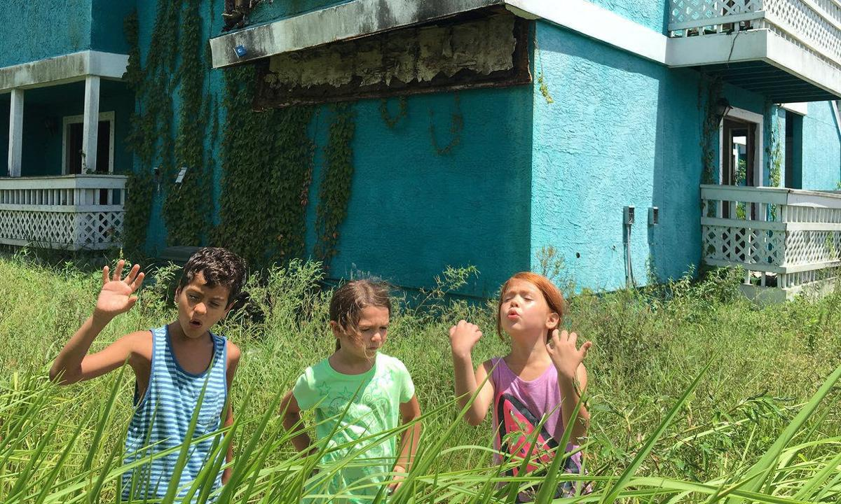 The Florida Project still 2 for Red