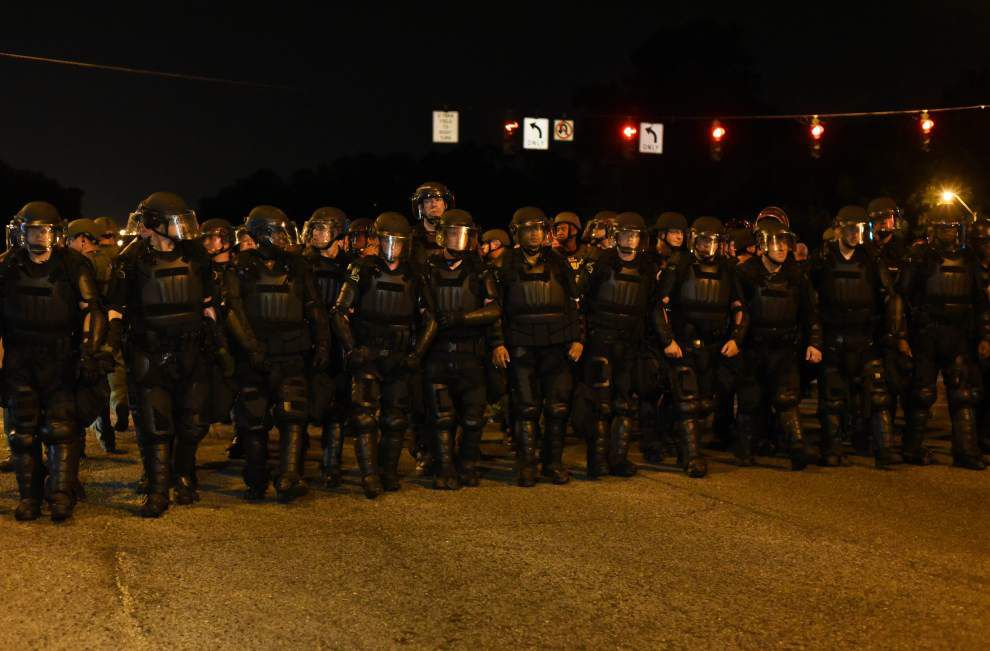 Replay: Crowds return to site of Friday's Alton Sterling protests after tense scene at Baton Rouge police headquarters _lowres