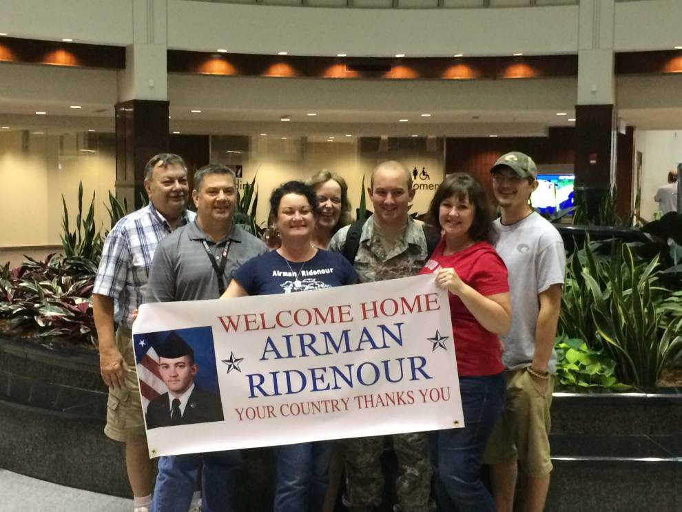 Ridenour welcomed home after Air Force training _lowres