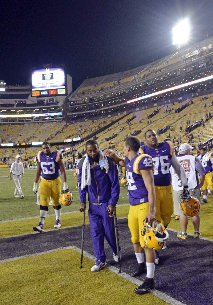Source: LSU DB Dwayne Thomas suffers torn ACL, expected to miss rest of season _lowres