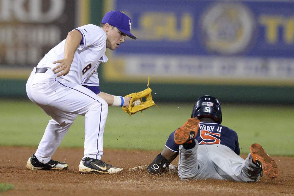 Reliever Hunter Newman, web-gem crazed defense lead LSU to 3-2 win over Auburn Friday night _lowres