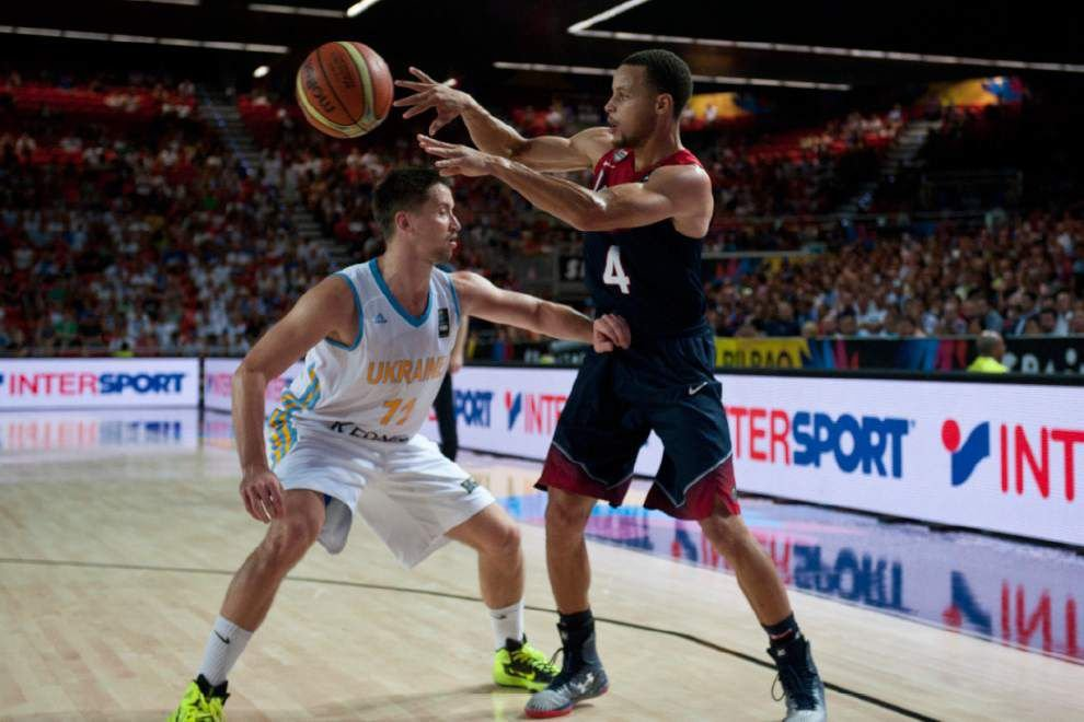 U.S. tops Ukraine to wrap up pool play _lowres
