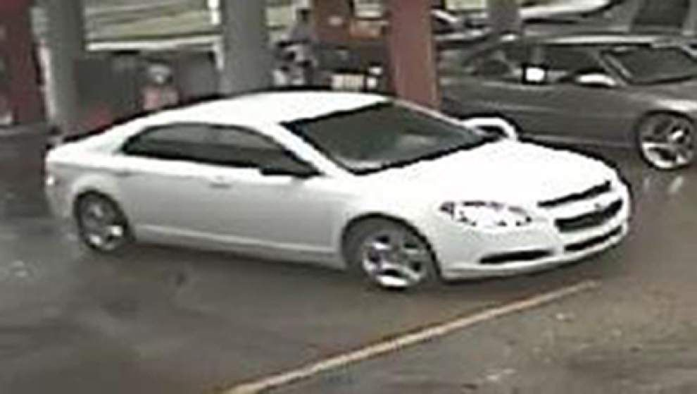 East Baton Rouge Sheriff's Office seek information on car with possible link to deadly shooting in Glen Oaks area _lowres