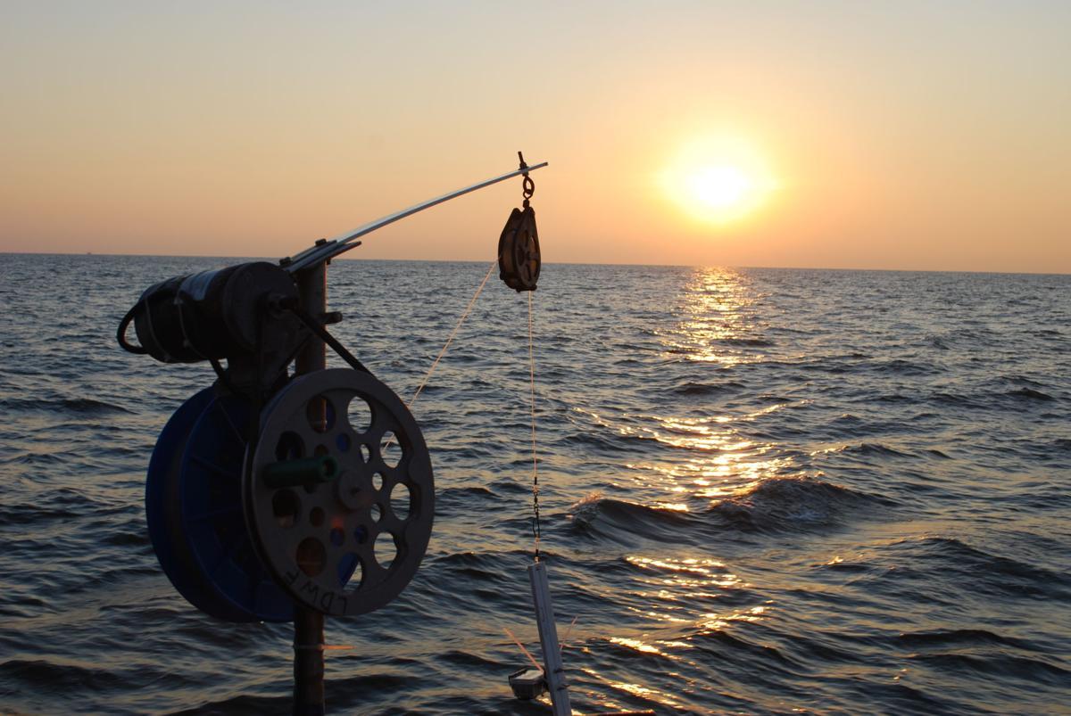 deep-sea fishing rig