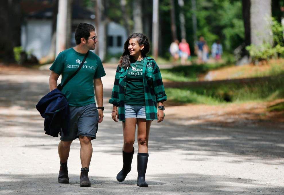 Peace camp in U.S. unites Israeli, Palestinian teens _lowres