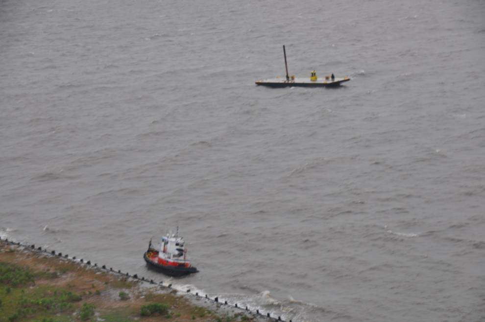 3 rescued from ship taking on water in lake Pontchartrain _lowres