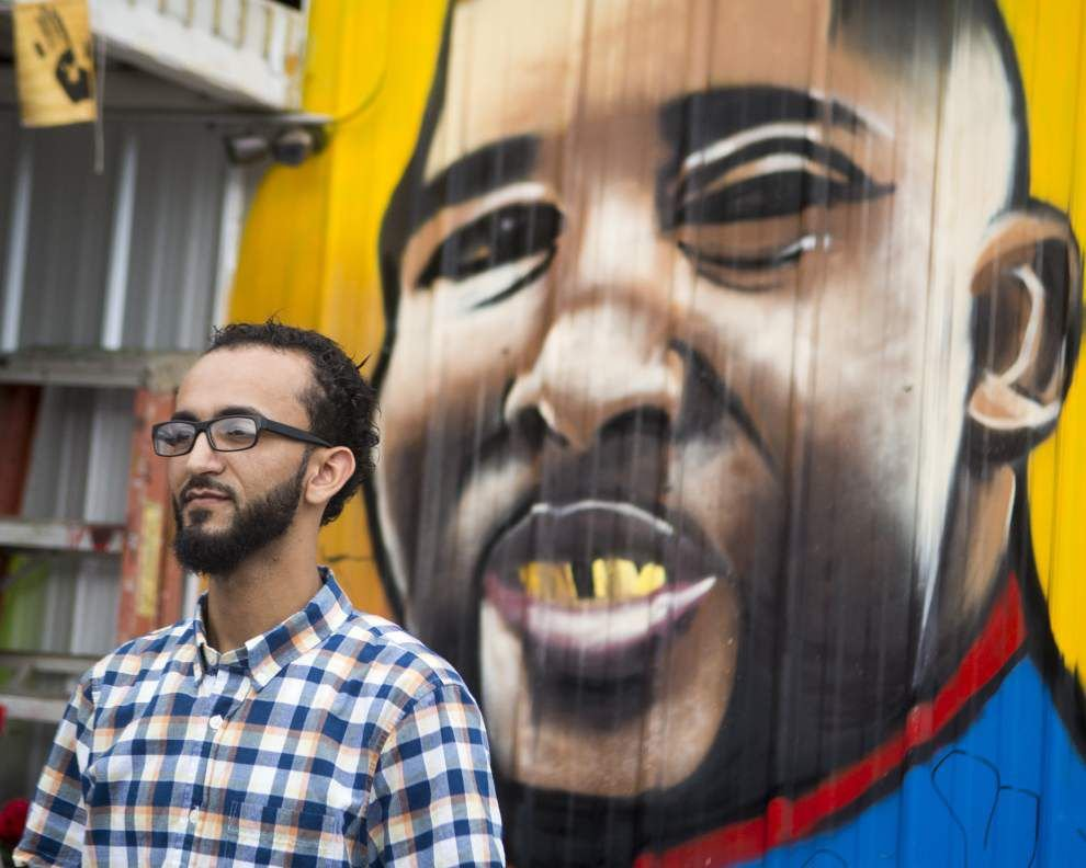 Owner of store where Alton Sterling was shot files lawsuit against Baton Rouge police _lowres
