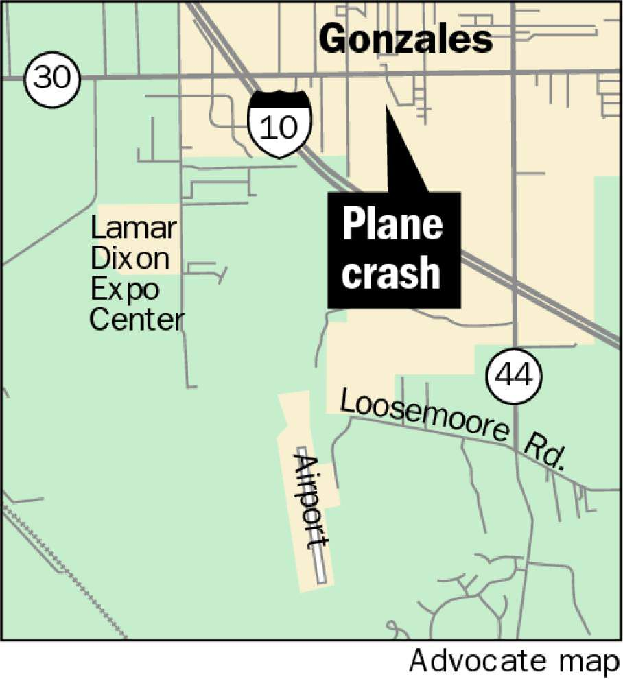 Single-engine Cessna crashes Friday in open field in Gonzales; pilot injured _lowres