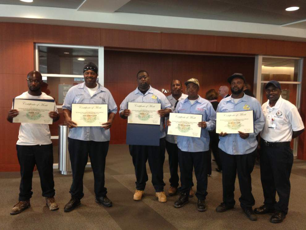 Jefferson Parish street maintenance workers hailed as heroes after rescuing 3 from burning home _lowres