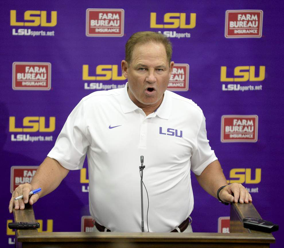The entire audio from the Monday press conference of LSU football coach Les Miles _lowres