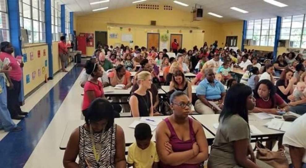 Clinton Elementary Meet & Greet sees big turnout _lowres