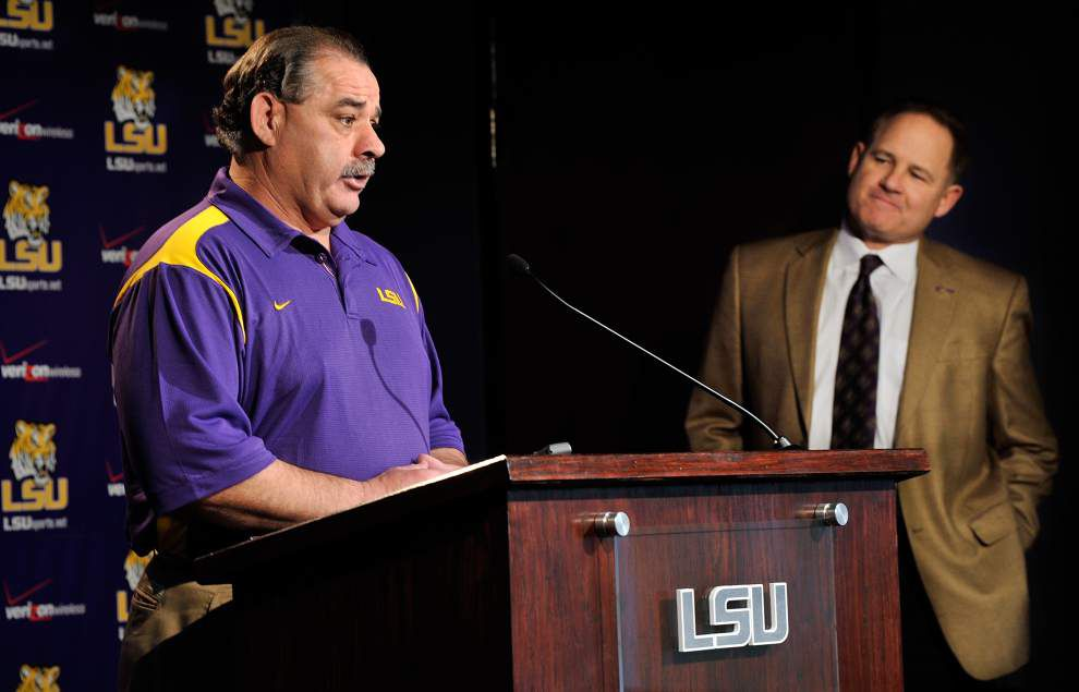 Dueling lawsuits to continue: John Chavis suit against LSU returned to state court, not dismissed _lowres