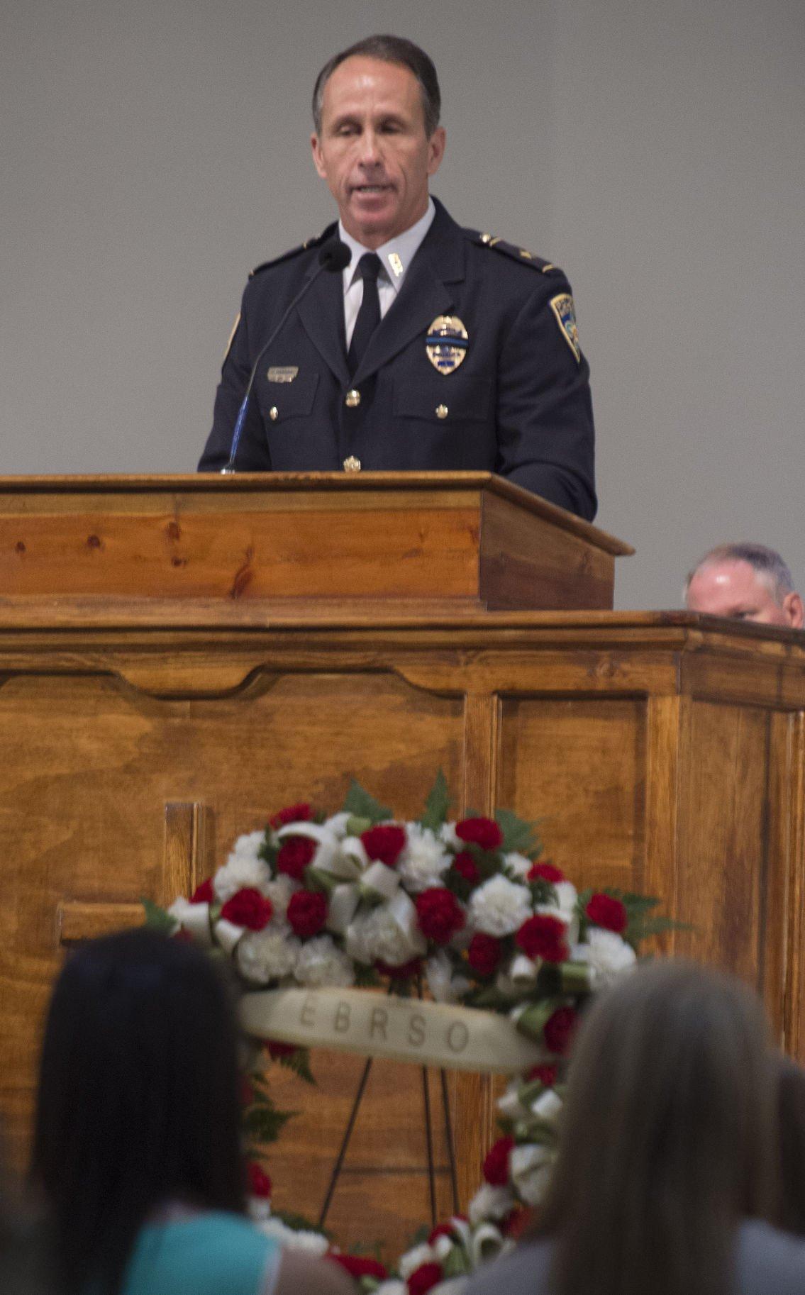 BR.officermemorial04.051017.jpg