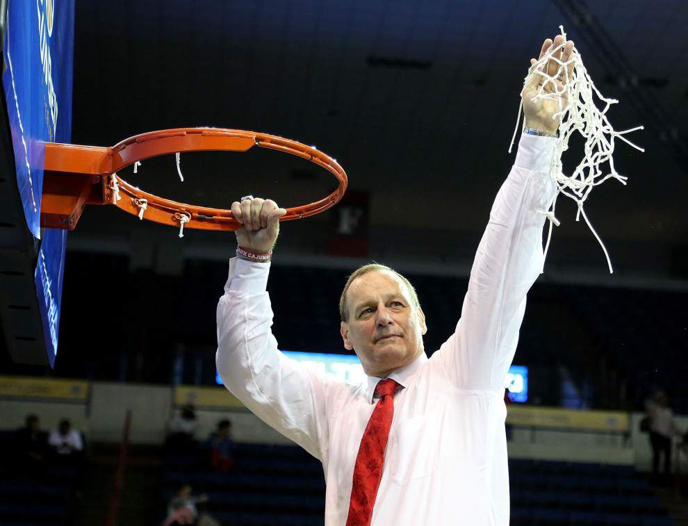 Fundraiser seeks to boost Ragin' Cajuns coaches' pay _lowres