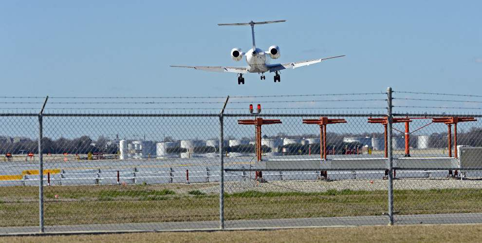 Baton Rouge airport officials discover cause of runway light problem resulting in flight cancellations for 500-600 travelers _lowres