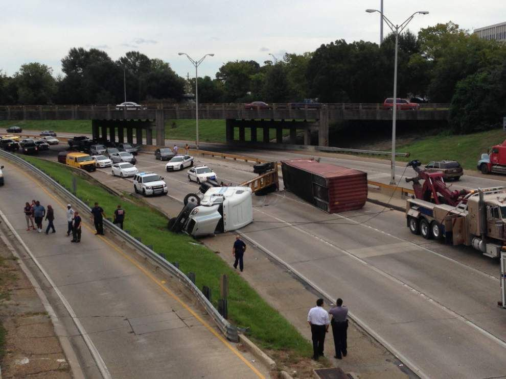 Video: Overturned 18-wheeler on I-110 south _lowres