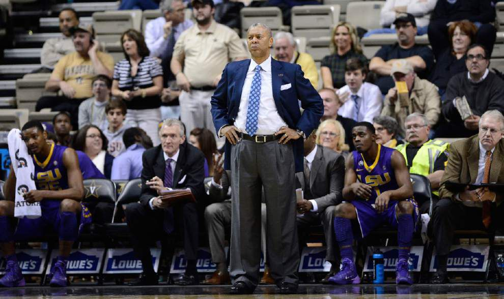 Video: Jones sad to see LSU's senior men's basketball players leave on Senior Day _lowres