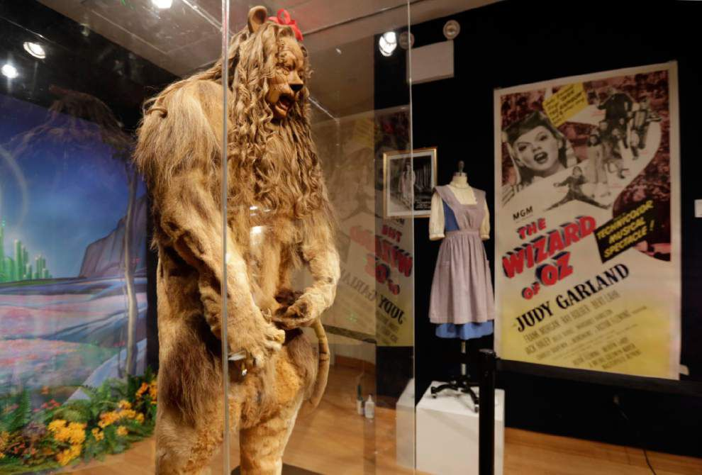 'Wizard of Oz' Cowardly Lion costume fetches $3 million _lowres