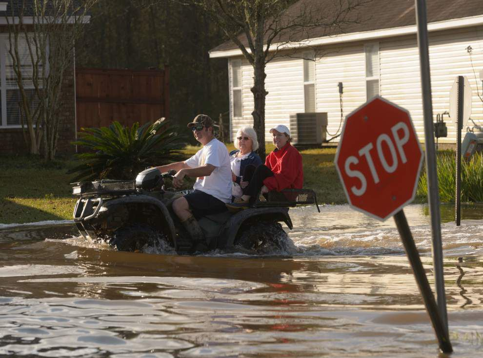 Numerous roads closed in Pearl River, Covington Monday; 'big concern' I-10 near Pearl River could close _lowres