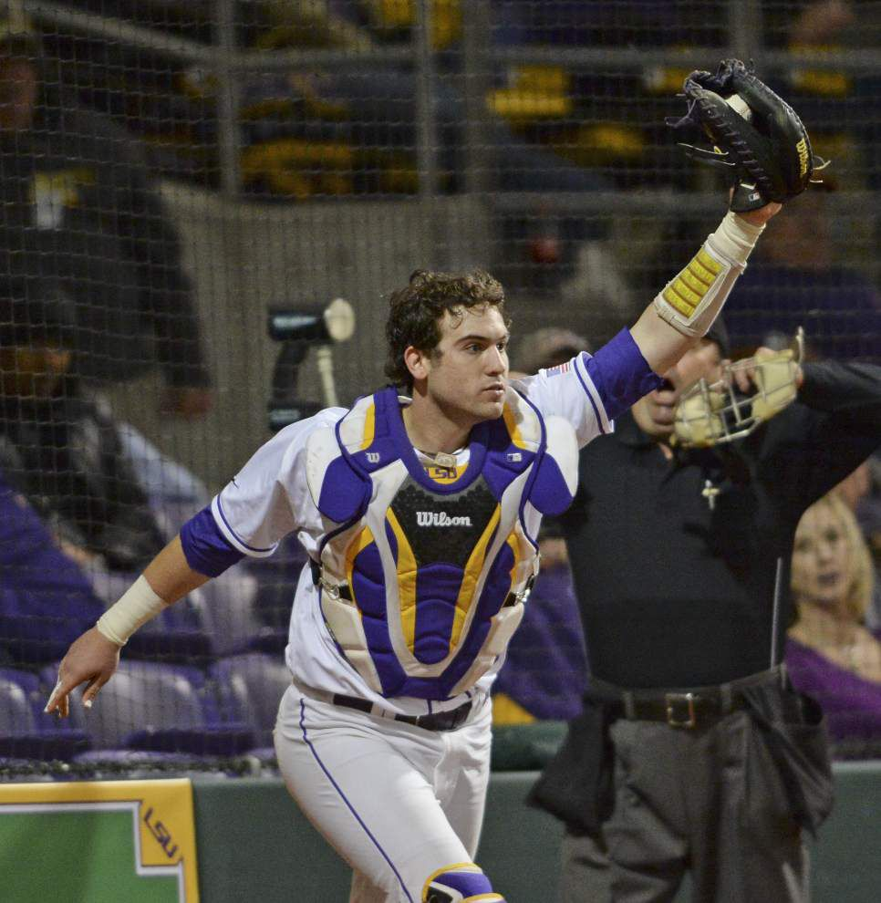 Defensive gem mixes with LSU starter Jared Poché's six-inning shutout for 6-0 series-opening win _lowres