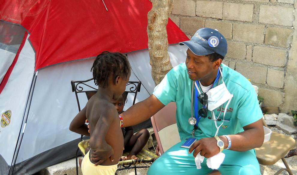 West Bank Spotlight: New Orleans hospital gift shop purchases can help those struggling in Haiti _lowres