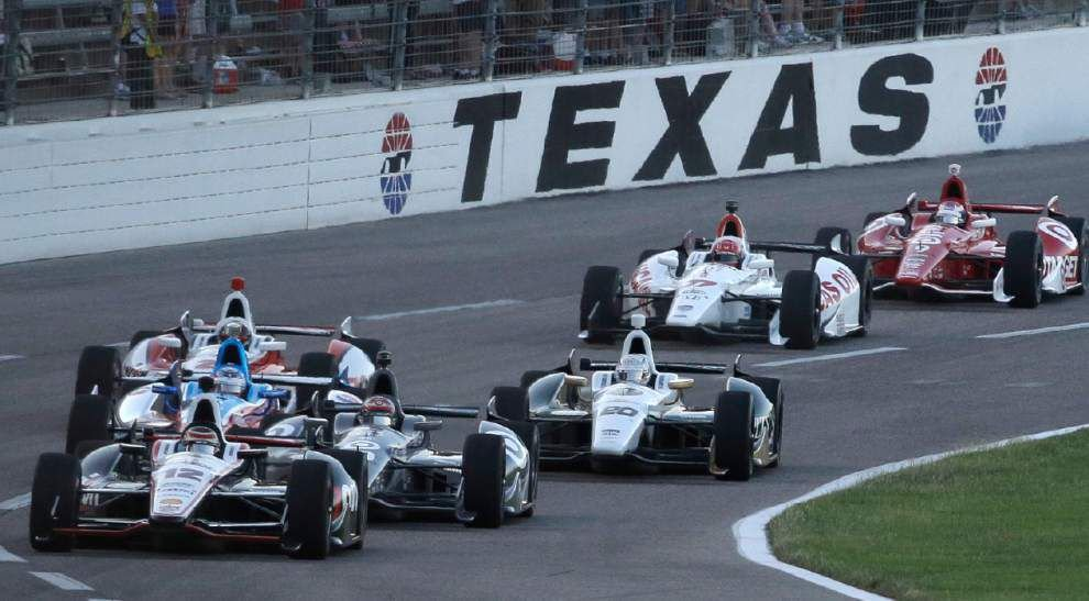 Ed Carpenter holds on to win IndyCar race at Texas _lowres