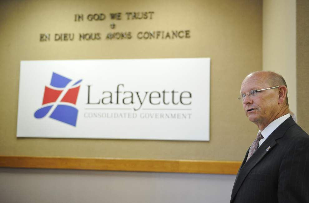Outgoing Lafayette City-Parish President Joey Durel bids farewell at last council meeting of his administration _lowres