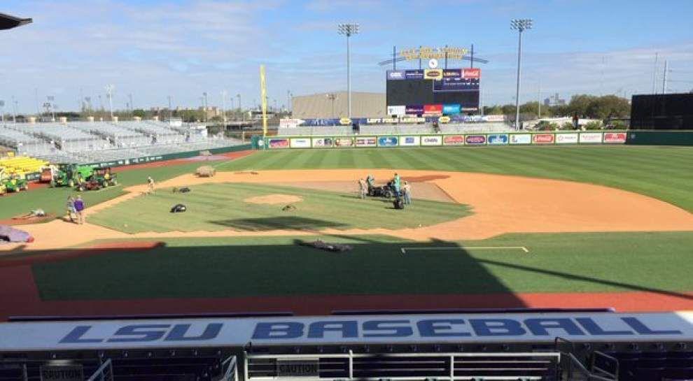 Video: Workers resod infield grass at LSU's Alex Box Stadium _lowres