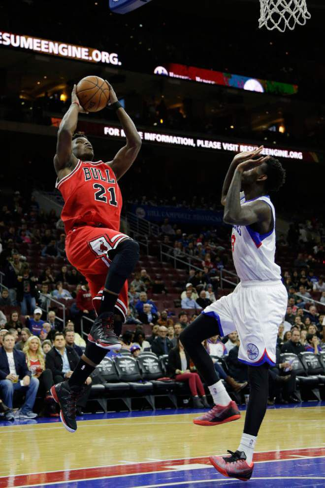 Bulls stave off late comeback by Philly in win _lowres