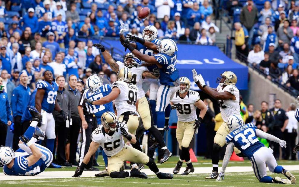 Saints in good hands — Marcus Murphy's — on onside kick _lowres