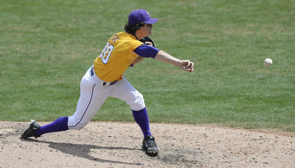 LSU Baseball Notes: Pitchers Riley Smith, Collin Strall dealing with shoulder soreness _lowres