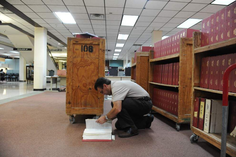 Workers prepare to move to new digs as Lafayette Parish Courthouse renovations move from one floor to the next _lowres