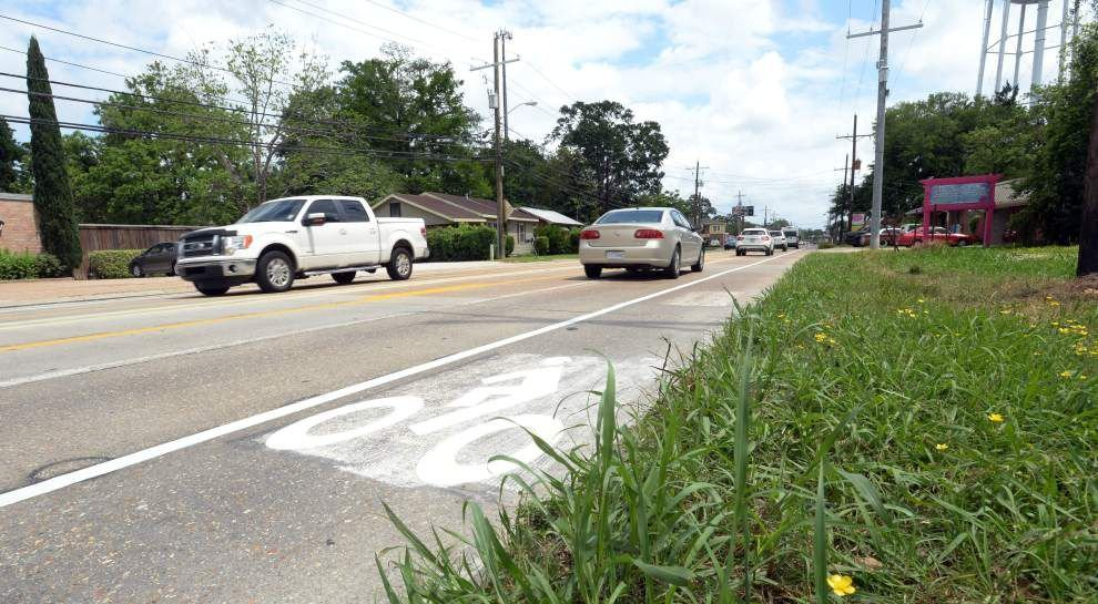 'Road diet' on portion of Bertrand Drive in Lafayette completed: 4 lanes down to 2, with turn lane and bike lanes _lowres
