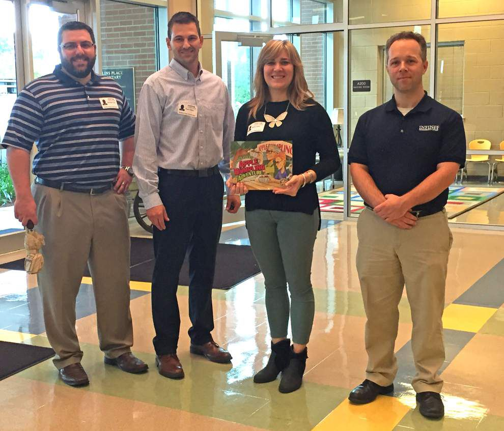 Rollins students read along with Rotary _lowres